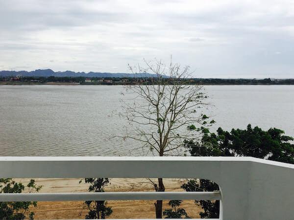 フォーチュン ビューコン ホテル (Fortune Viewkong Hotel)のバルコニーから見える景色