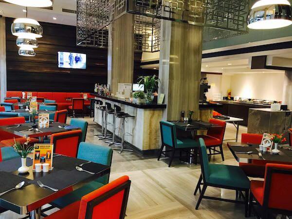 FX ホテル メトロリンク マッカサン(FX Hotel Metrolink Makkasan)のカフェ
