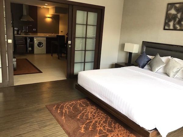 グランド メルキュール バンコク アソーク レジデンス(Grand Mercure Bangkok Asoke Residence)のベッドルーム1