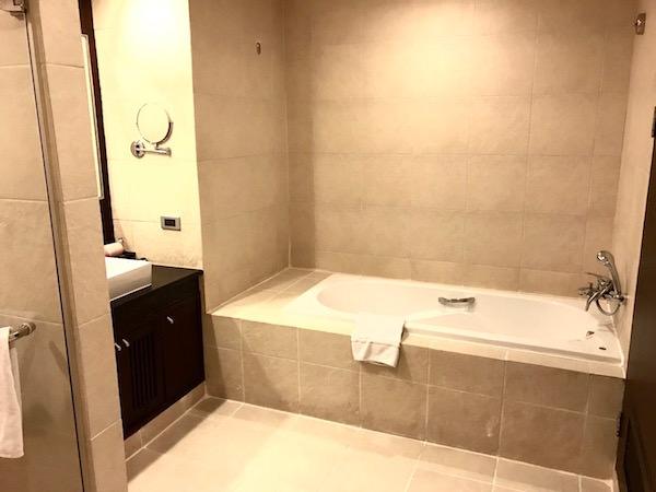 グランド メルキュール バンコク アソーク レジデンス(Grand Mercure Bangkok Asoke Residence)のバスルーム2