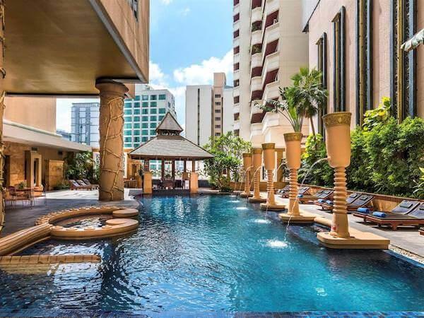 グランド スクンビット ホテル バンコク マネージド バイ アコー (Grand Sukhumvit Hotel Bangkok ? Managed by Accor)のプール