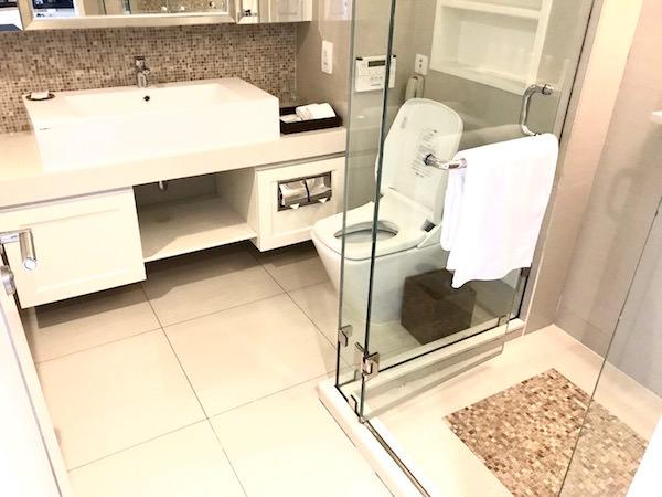 グランド センター ポイント ホテル ターミナル 21 (Grande Centre Point Hotel Terminal 21)のバスルーム1