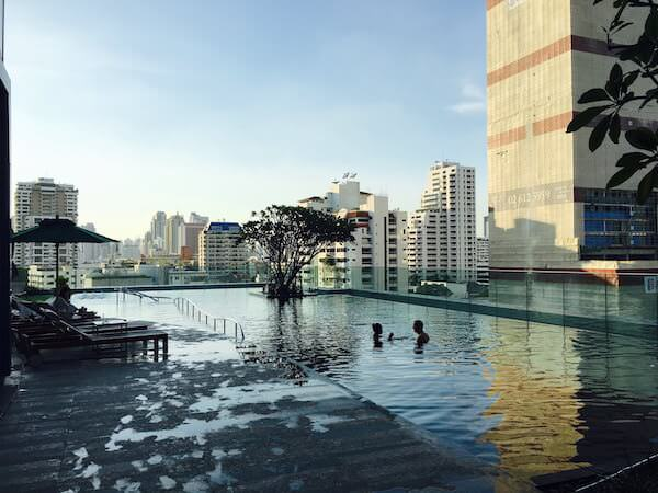 グランデ センター ポイント スクンビット 55 トンロー (Grande Centre Point Sukhumvit 55 Thong Lo)のプール1