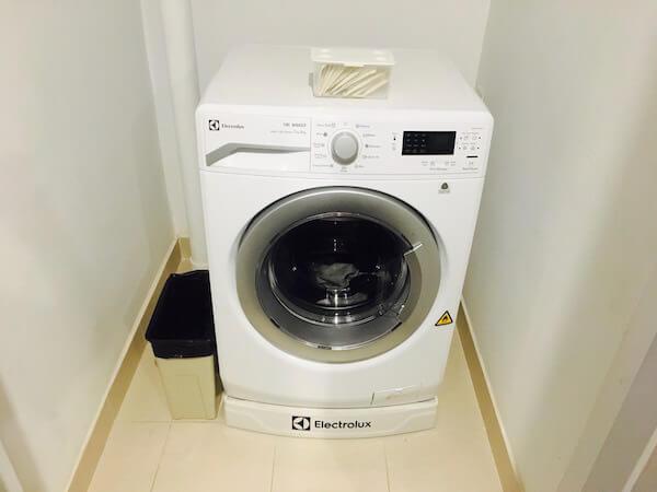 グランデ センター ポイント スクンビット 55 トンロー (Grande Centre Point Sukhumvit 55 Thong Lo)の無料洗濯乾燥機