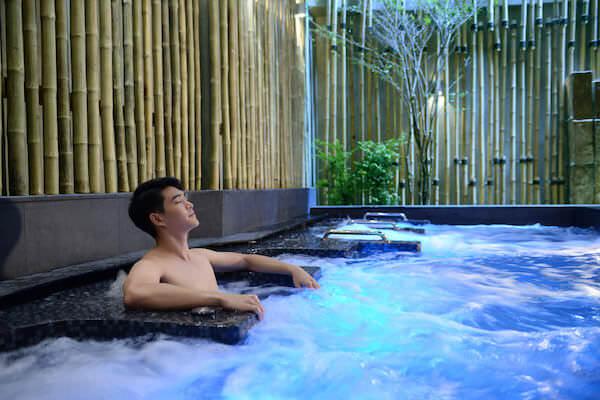 レッツリラックス温泉スパのマッサージ風呂
