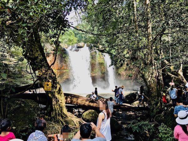 カオヤイ国立公園内のヘーウスワット滝