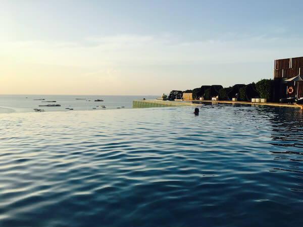 ヒルトン パタヤ (Hilton Pattaya)のプール1