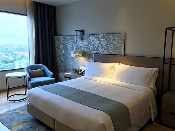 ホリデイ イン アンド スイーツ ラヨーン シティ センター(Holiday Inn and Suites Rayong City Centre)の客室2