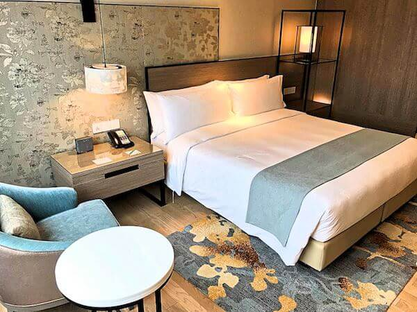 ホリデイ イン アンド スイーツ ラヨーン シティ センター(Holiday Inn and Suites Rayong City Centre)の客室3