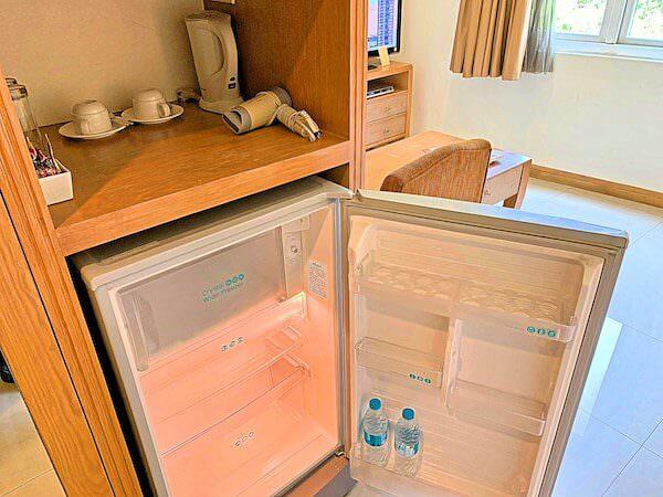 ホープランド エグゼクティブ サービス アパートメントの冷蔵庫、ドライヤー、コーヒー