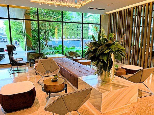 ホテル アンバーパタヤ(Hotel Amber Pattaya)のレセプションロビー