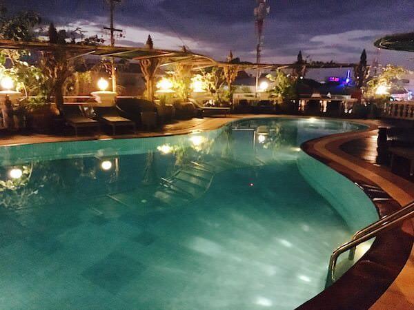 ホテル デ ビレ シェム リープ (Hotel De Ville Siem Reap)のプール