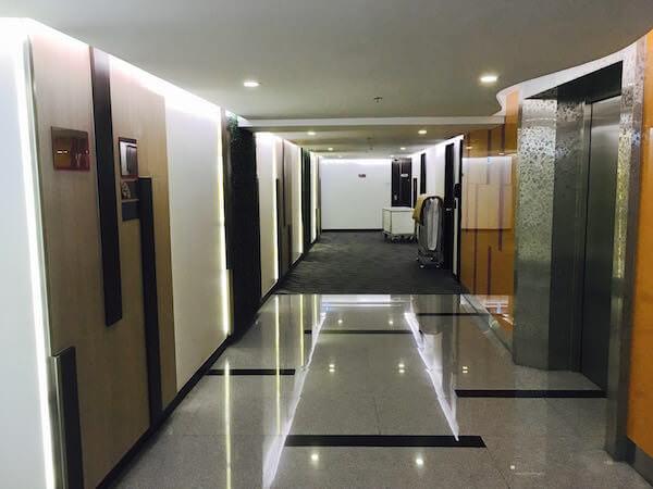 ホテル ロイヤル バンコク チャイナタウンのエレベーターホール