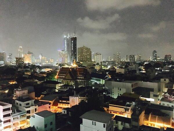 ホテル ロイヤル バンコク チャイナタウンの屋上から見える夜景