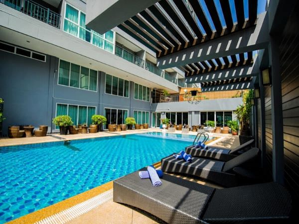 ホテル セレクション パタヤ(Hotel Selection Pattaya)のプール