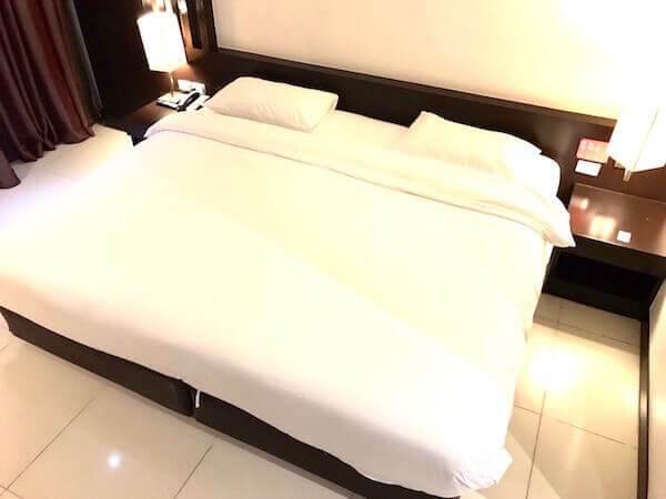ホテル セレクション パタヤ(Hotel Selection Pattaya)のベッド