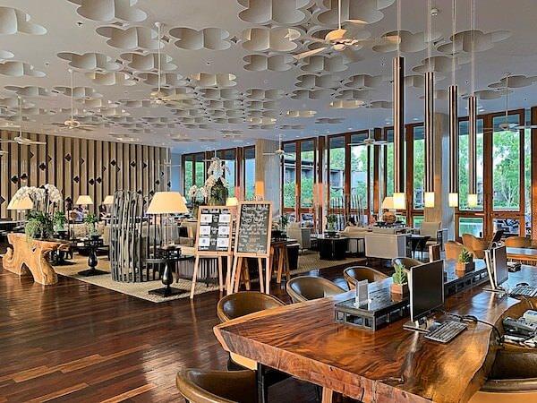 ホアヒン マリオット リゾート アンド スパ(Hua Hin Marriott Resort and Spa)のエントランスロビー1