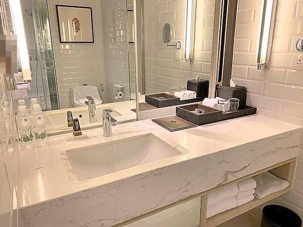 ホアヒン マリオット リゾート アンド スパ(Hua Hin Marriott Resort and Spa)の洗面台