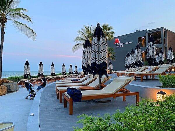ホアヒン マリオット リゾート アンド スパ(Hua Hin Marriott Resort and Spa)のビーチチェア