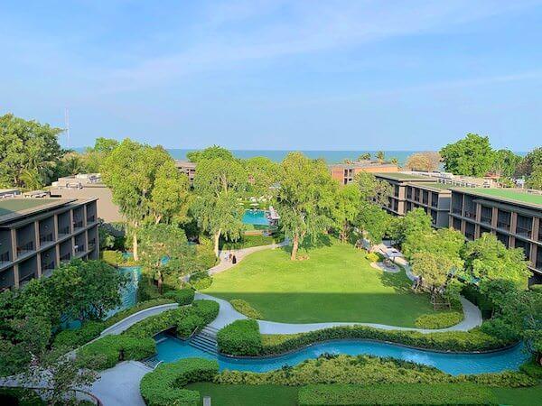 ホアヒン マリオット リゾート アンド スパ(Hua Hin Marriott Resort and Spa)の中庭