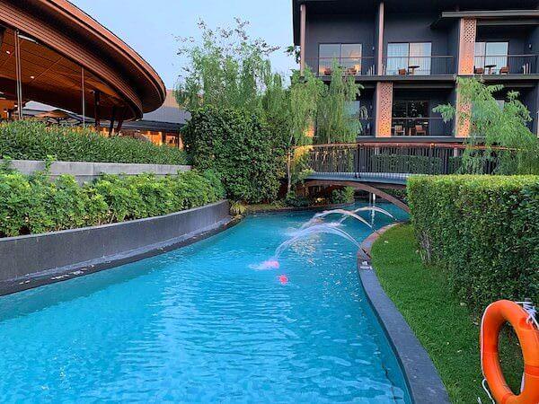 ホアヒン マリオット リゾート アンド スパ(Hua Hin Marriott Resort and Spa)のプール1