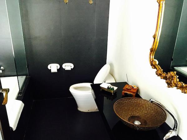 アイユーディアのバスルーム
