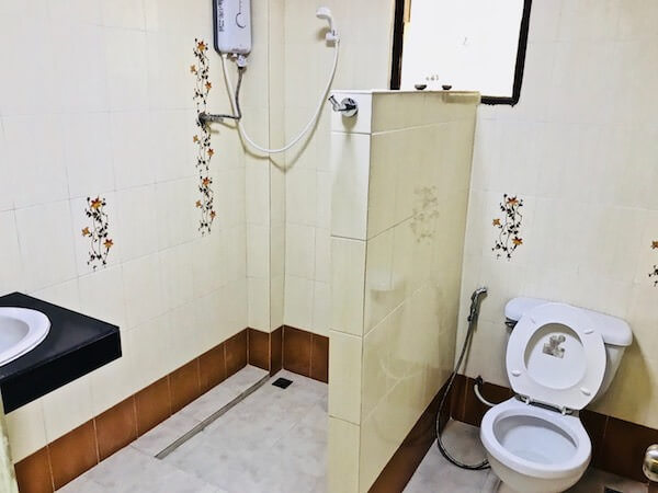 ジラワン ホテル (Jirawan Hotel)のシャワールーム