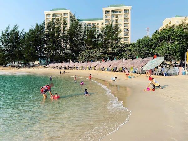 センチャンビーチ(Saeng Chan Beach)1