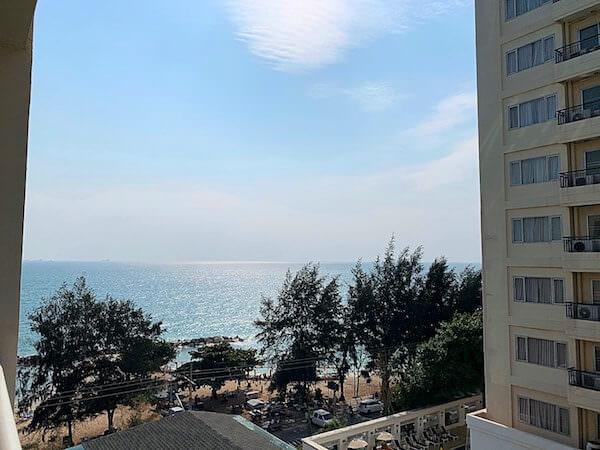 カンタリー ベイ ホテル ラヨーン(Kantary Bay Hotel Rayong)の客室バルコニーから見える海