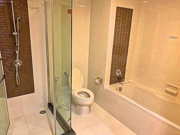 カンタリーホテル アユタヤ(Kantary Hotel Ayutthaya)のバスルーム
