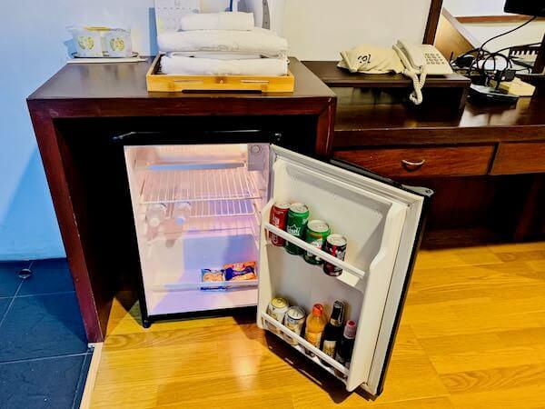 柏屋旅館タイホテル(Kashiwaya Ryokan Thai Hotel)の冷蔵庫