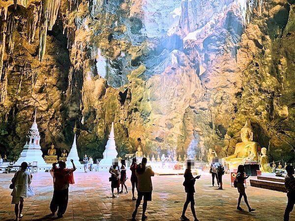 カオルアン洞窟内の様子1