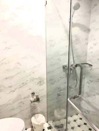 カオサン パレス ホテル(Khaosan Palace Hotel)のシャワールーム2