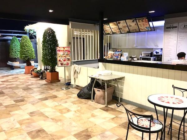 カオサン パレス ホテル(Khaosan Palace Hotel)屋上にあるバー