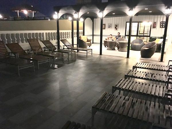 カオサン パレス ホテル(Khaosan Palace Hotel)のプールサイド