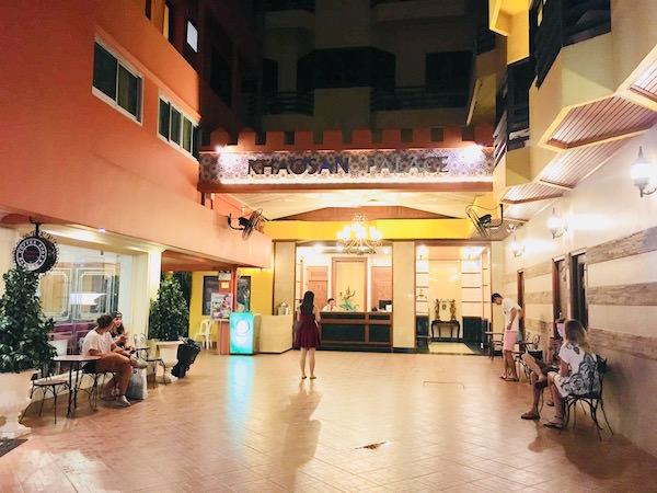 カオサン パレス ホテル(Khaosan Palace Hotel)のエントランス