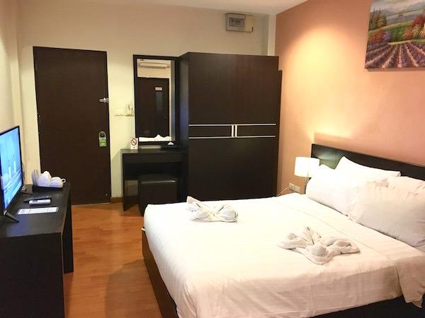カオサンパークホテルの客室2