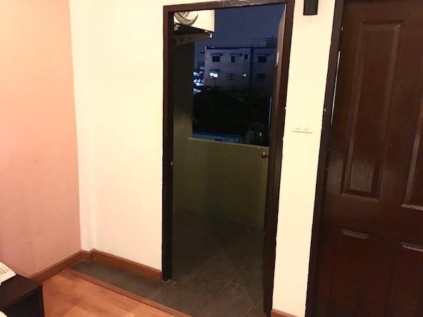 カオサンパークホテルのバルコニー