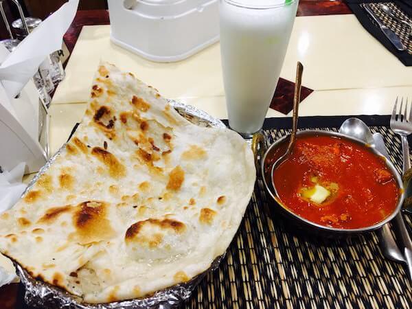 Taste of India(テイスト オブ インディア)のバターチキンカレーとナン