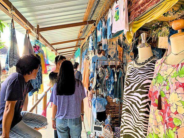 クローンラットマヨム水上マーケットの衣料品店2