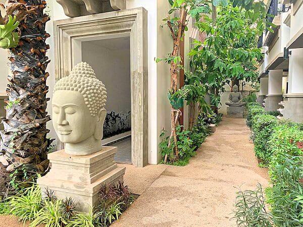 クメール マンション レジデンス(Khmer Mansion Residence)の敷地内中庭