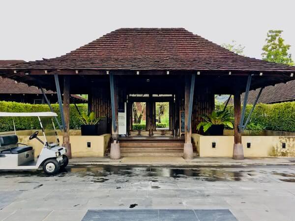 キリマヤ ゴルフ リゾート スパ(Kirimaya Golf Resort Spa)の入り口