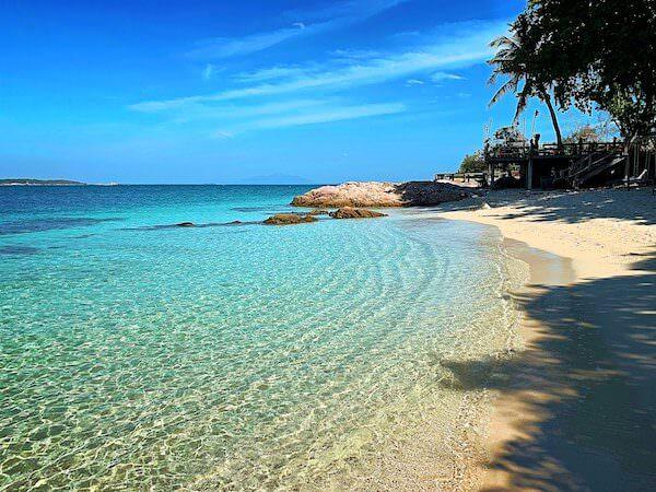 マンノーク島のメインビーチ
