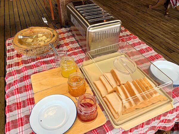 マンノーク島の朝食ビュッフェ2