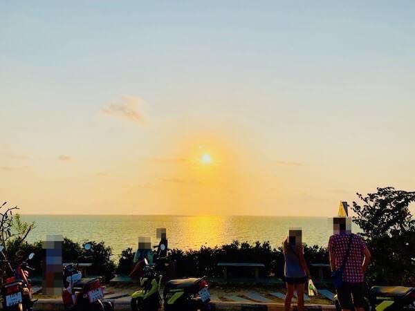 サメット島の夕日スポット