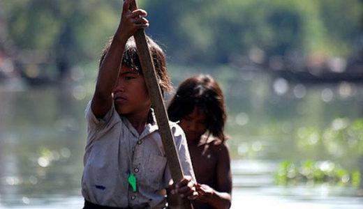 シェムリアップのトンレサップ湖クルーズ。ボートツアーで水上村の生活を覗いてみよう。
