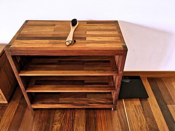 クーレン ホテル (Koulen Hotel)の靴箱と体重計