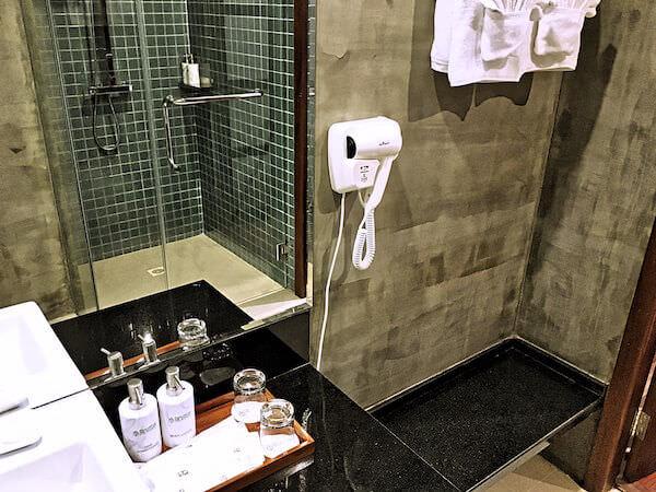 クーレン ホテル (Koulen Hotel)のシャワールーム2
