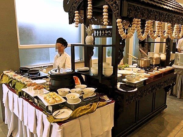 クーレン ホテル (Koulen Hotel)の朝食ビュッフェ4