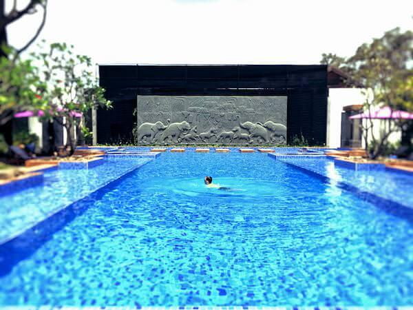 クーレン ホテル (Koulen Hotel)のプール1